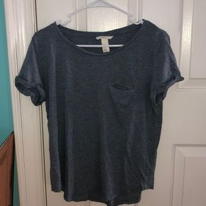 Blueish-gray basic t-shirt